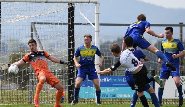 Maitland beat Devonport 3-2